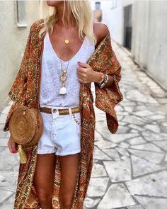 This evening ✨✨ kimono shorts Ibiza Outfits, Chic Outfits, Summer Outfits, Fashion Outfits, Look Kimono, Look Boho Chic, Bohemian Schick, Moda Hippie, Look Con Short