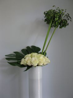 Agapanthus | Cutfloral.com Greenery Bouquets, Agapanthus, Glass Vase, Centerpieces, Floral, Plants, Design, Home Decor, Decoration Home