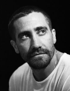 Jake Gyllenhaal, i will fuck him to pieces!