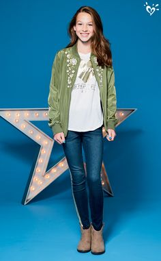 This season's trendiest looks, starring....YOU! Shine on in graphics that stand out.