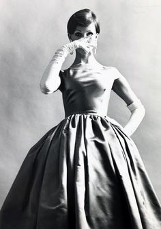 1950s.Wish we could wear puffy dresses all the time
