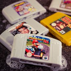 Vegan soap favors that look like old Nintendo 64 cartridges.soap is dumb but these are awesome Super Smash Bros, Brother Wedding Gifts, Old Nintendo, Super Nintendo, Nintendo Games, Soap Favors, Vegan Soap, Splish Splash, 90s Kids