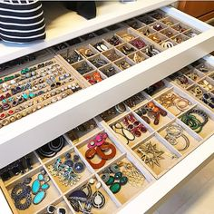 """""""A place for everything and everything in its place"""" Organize jewelry by characteristic, size and color. And keep a pin close by to…"""