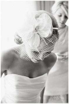 One of my all time favorite veils...    http://www.kristinviningphotoblog.com