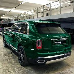 rolls royce classic cars and hot Rolls Royce Suv, Rolls Royce Dawn, Los Cars, Rolls Royce Cullinan, Rolls Royce Phantom, Best Classic Cars, Bmw, Editing Pictures, Luxury Cars