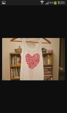 35 Trendy Painting Fabric Clothes T Shirts Fun Valentine T Shirts, Valentine Day Crafts, Painting Stripes On Walls, Stencils, Heart Stencil, Chevron Patterns, Easy Home Decor, Diy Canvas, T Shirt Diy