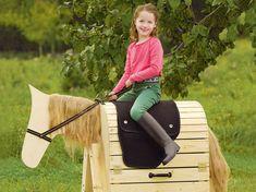"toom Kreativwerkstatt - Kinderpferd ""Großer Onkel"" Wooden Horse, Diy And Crafts, Horses, Toys, Allotment, Design, Xmas, Kids Wood, Playground"
