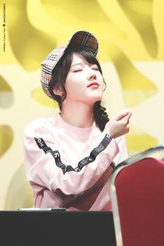 Gfriend Time For The Moon Night Fansign Cr: owner Heizesh Kpop Girl Groups, Kpop Girls, Jung Eun Bi, Cloud Dancer, Fandom, G Friend, My Youth, K Idols, Korean Singer