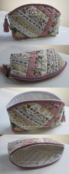 all purpose bag saya suka saya suka Patchwork Bags, Quilted Bag, Bag Patterns To Sew, Fabric Bags, Little Bag, Zipper Bags, Handmade Bags, Small Bags, Bag Making