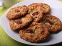 Cookies s bílou čokoládou, ovesnými vločkami a pekanovými ořechy