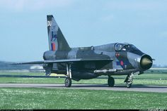 English Electric Lightning T.5