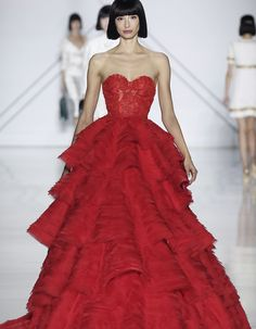 Ralph & Russo's mystical transformation at Paris Haute Couture Week Couture Week, Style Couture, Spring Couture, Haute Couture Fashion, Ralph & Russo, Runway Fashion, Fashion Show, Paris Fashion, Fashion Outfits