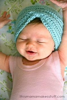 seriously ridiculously cute..crochet baby turban pattern + tutorial by this mama makes stuff. #thevanillabeanblog
