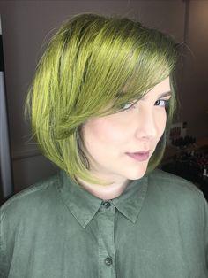 #greenhair #colormelt #mediumhair #bob  #fashioncolor #greenery #jbeverlyhills #haircolor #yourbeautymasters