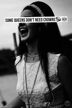 Unless it's a crown of flowers <3 | Instagram: elllen.sarah