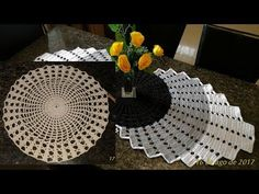 🌼 Caminho De mesa / trilho Sofisticado - YouTube Crochet Table Mat, Crochet Bookmark Pattern, Crochet Table Runner Pattern, Crochet Bookmarks, Doily Patterns, Afghan Crochet Patterns, Weaving Patterns, Crochet Squares, Crochet Carpet