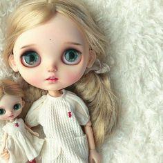 A very very happy day☺️✨ @wanwan_dolls 衷心的感谢✨あ〜可愛い #プチブライス#wanwandoll#blythe#blytheoutfit#blythecustom#doll#dollclothes#blythedoll#dollphoto#dollstagram#instadaily#harusya#ドール#アウトフィット#ブライス#手作り