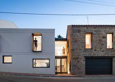 Maison JA à Guarda par Filipe Pina + Ines Costa
