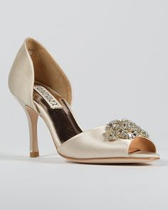 a6014025b20d 8 best Shoes   Accessories images on Pinterest