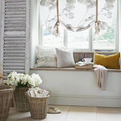 Lounge - window seat