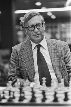 Vasily Smyslov(1921/2010)  -  chess champion 1957-1958