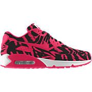 Nothing says SoCal like these shoes. It's like Nike resurrected the spirit of LA Gear Nike Water Shoes, Running Shoes Nike, Air Max 90, Nike Air Max, Nike Store, Discount Nikes, African Fashion, Sneakers Fashion, Street Wear