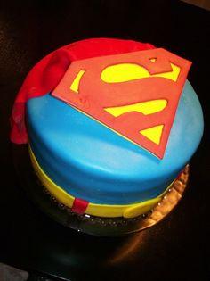 superman-logo-designer-theme-birthday-wedding-engagement-cakes-cupcakes-mumbai-1
