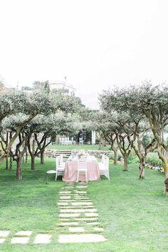 Romantic garden wedding off the Amalfi coast - 100 Layer Cake Garden Wedding, Dream Wedding, Amalfi Coast Wedding, 100 Layer Cake, Wedding Locations, Dolores Park, Romantic, Italy, Table Decorations