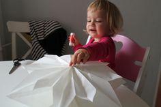 Papírové vánoční hvězdy z pytlíků - Testováno na dětech Baby Car Seats, Children, Home Decor, Young Children, Boys, Decoration Home, Room Decor, Kids, Home Interior Design