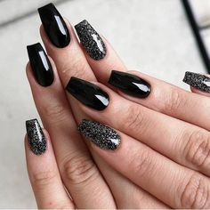 Are you ready to change your nails? Take a look at our trendy simple coffin nails. These are the most popular ballet nails in Cute Nail Colors, Cute Nails, Pretty Nails, Black Nails With Glitter, Black Coffin Nails, Raiders Nails, Nail Art Designs, Nails Design, Design Art