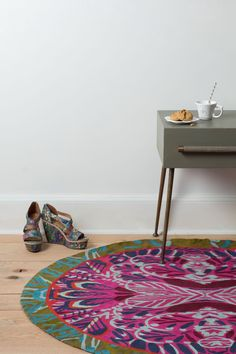 Mirrored Plumes Round Rug @Anthropologie #bohemian #rugs