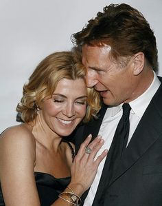 Liam neeson and his early wife Natasha Richardson from parent trap who was in a skiing accident and died due to a brain injury