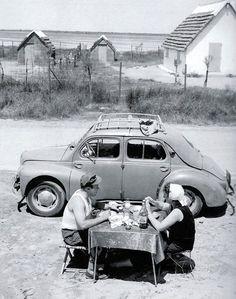 booksvscigarettes:  Summer Holidays in Camargue 1954 Roger-Viollet  ☀Merci