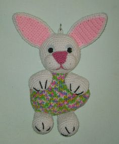 Easter bunny wallhanging by stormyzcrochet, via Flickr