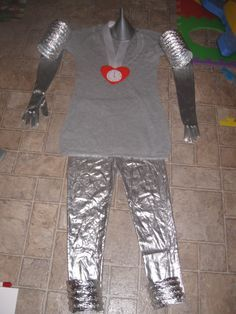 Wizard of Oz Tin-Woman for my costume & The TIN MAN (...from