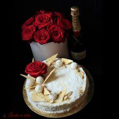 #raffaello #cake #red #rosses #flowers #box #flowersbox #flowersinabox #champagne #moetmoment #celebrate #collectingmoments #livadacuvisini #paulamoldovan Flower Boxes, Flowers, Champagne, Sweets, Cake, Desserts, Red, Raffaello, Window Boxes