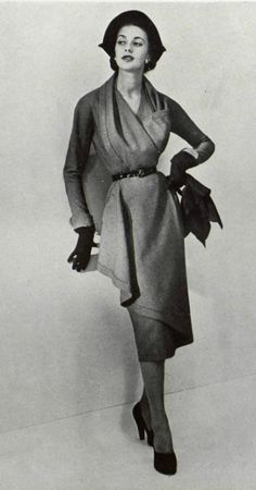 Ciao Bellísima - Vintage Glam; Model wearing Paquin, 1950