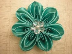 Красивый цветок Канзаши из Лент. Своими руками. / DIY Flowers - YouTube