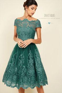 Un vestido casual y refinado de Chi Chi London con inspiración vintage.