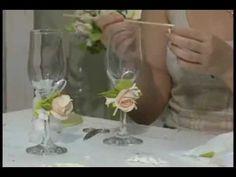 Свадебный мастер-класс. Фужеры для молодоженов - YouTube Wedding Glasses, Champagne Glasses, Toasting Flutes, Diy Videos, Glass Bottles, Wine Glass, Jewelry Crafts, Decoupage, Craft Videos