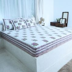 Lilac Cotton Printed Bedsheet Bed Linens, Linen Bedding, Vibrant Colors, Colours, White Sheets, Cushions, Pillows, Shades Of Blue, Bed Sheets
