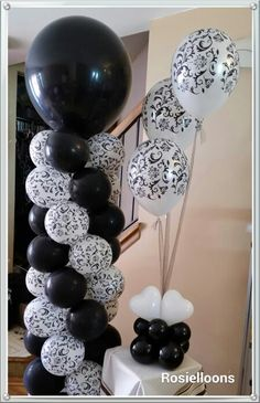 Black and White Columns Blanco y negro! Balloon Stands, Balloon Display, Love Balloon, Balloon Arch, Balloon Ideas, Prom Balloons, Balloons And More, White Balloons, Wedding Balloons