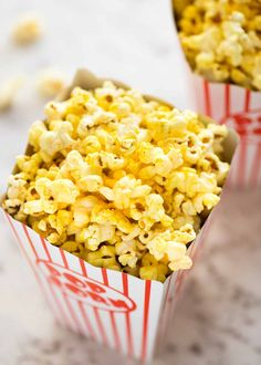 Homemade Movie Popcorn (Stay-crisp Butter Popcorn) - Movie - Ideas of trending and latest movie - - Yellow ultra buttery homemade Movie Popcorn stays crispy for days. Start figuring out how you're going to smuggle this into the cinema! Best Popcorn, Homemade Popcorn, Popcorn Snacks, Flavored Popcorn, Butter Popcorn, Homemade Butter, Salted Popcorn Recipes, Popcorn Buckets, Pop Popcorn