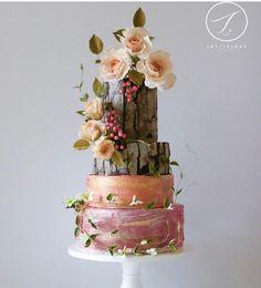 """1,643 Likes, 4 Comments - @cassianedorigon (@ideiasdebolosefestas) on Instagram: """"Lindo bolo. Detalhes perfeitos. Por @satin.ice. . #casamento #noiva2018 #noivado #wedding…"""""""