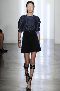 http://www.style.com/slideshows/fashion-shows/spring-2015-ready-to-wear/ohne-titel/collection/3