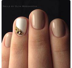 Светлый маникюр на короткие ногти фото 68
