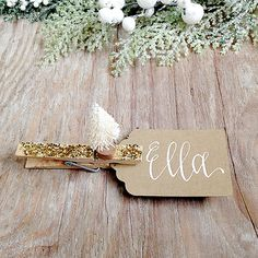 Arbre de Noël cadeau Tag, calligraphie de vacances personnalisé cadeau Tag, paillettes or Gift Tag, Tag arbre blanc, décor de vacances, étiquette-cadeau pince à linge
