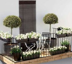 beautiful idea for a small apartment balcony…
