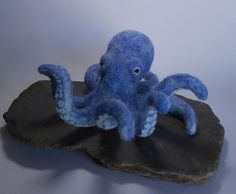 Needle felted octopus by Joshua Gardner Featured on www.livingfelt.blog