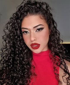 Lovely Curly Hair and Makeup Style In 2021 Wavy Haircuts, Wavy Hairstyles, Makeup Looks, Makeup Style, Stunning Makeup, Curly Hair Styles, Hair Makeup, Hair Cuts, Hair Beauty